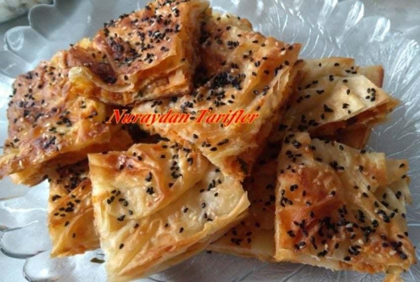 Patatesli Tepsi Böreği Tarifi