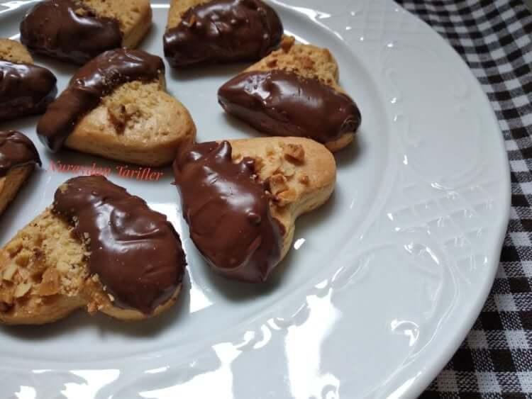 Fındıklı Çikolatalı Kalp Kurabiye